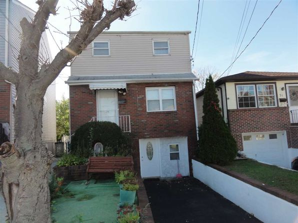 4 bed 3 bath Single Family at 29 Suburbia Ct Jersey City, NJ, 07305 is for sale at 339k - 1 of 6