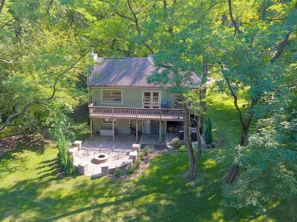 2 bed 2 bath Single Family at 27 LONGWOOD DR GALENA, IL, 61036 is for sale at 170k - 1 of 23