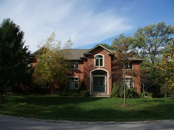 6 bed 5 bath Single Family at 5546 Laurel Ave La Grange Highlands, IL, 60525 is for sale at 895k - 1 of 22