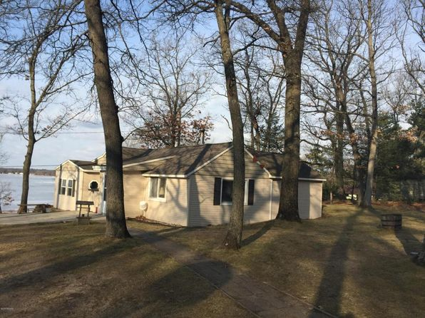 1 bed 1 bath Single Family at 8654 Spruce Ave Newaygo, MI, 49337 is for sale at 136k - 1 of 27