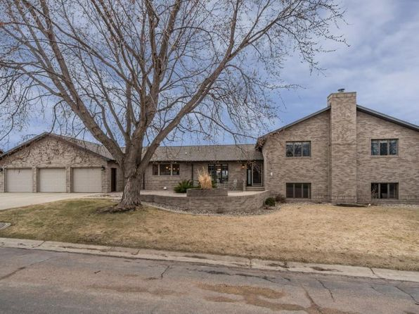 4 bed 3 bath Single Family at 1309 Sunset St NW Watertown, SD, 57201 is for sale at 500k - 1 of 65