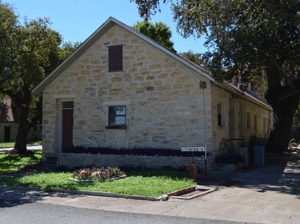3 bed 2 bath Single Family at 1 Mackenzie St Unit 21 Blk 2 Lot 2-C # 21 Blk 2 Lot Brackettville, TX, 78832 is for sale at 80k - 1 of 13