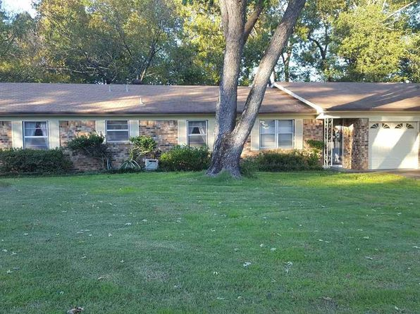 3 bed 2 bath Single Family at 1207 Blueridge Pkwy Longview, TX, 75605 is for sale at 140k - 1 of 18