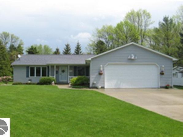 3 bed 1.75 bath Single Family at 815 E Allen Ct Au Gres, MI, 48703 is for sale at 130k - 1 of 13