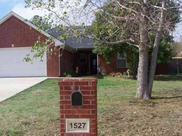 3 bed 2 bath Single Family at 1527 Kay St Durant, OK, 74701 is for sale at 142k - 1 of 2