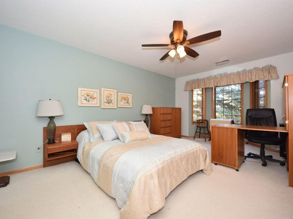 2 bed 2 bath Condo at N58W23747 Hastings Ct Sussex, WI, 53089 is for sale at 125k - 1 of 17