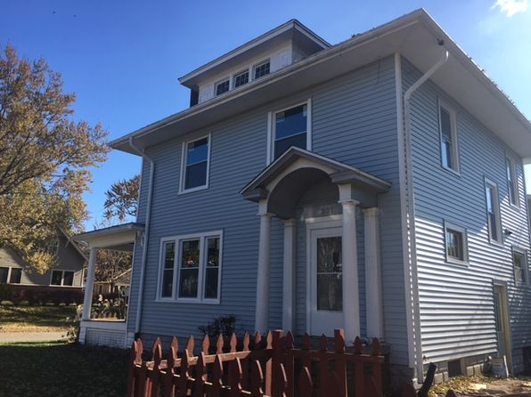 3 bed 2 bath Single Family at 921 E High St Davenport, IA, 52803 is for sale at 165k - google static map