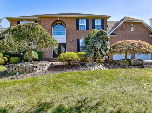 4 bed 4 bath Single Family at 25 Pueblo Ct Morganville, NJ, 07751 is for sale at 800k - 1 of 23