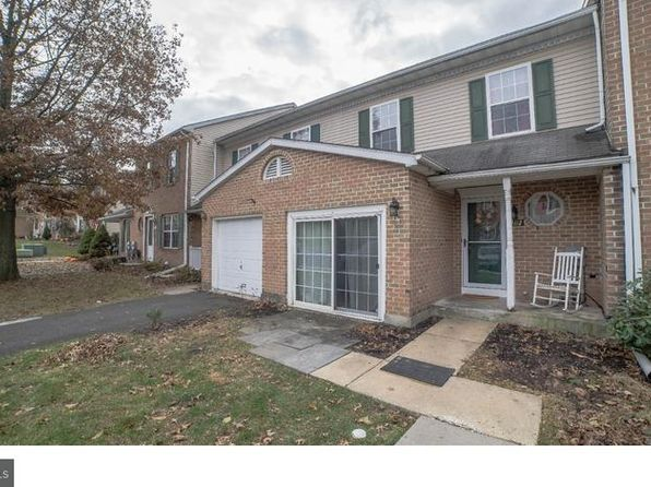 3 bed 3 bath Condo at 1112 Pin Oak Dr Perkiomenville, PA, 18074 is for sale at 190k - 1 of 25
