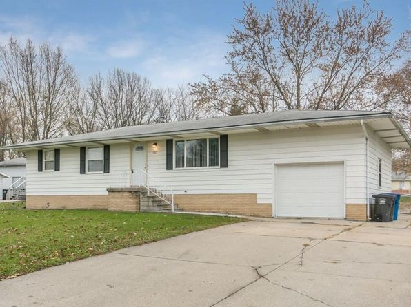 3 bed 3 bath Single Family at 3017 E 37th St Des Moines, IA, 50317 is for sale at 160k - 1 of 25
