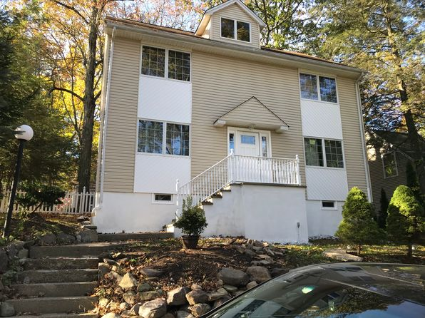 3 bed 4 bath Single Family at 4 Secaucus Rd Hewitt, NJ, 07421 is for sale at 369k - 1 of 27