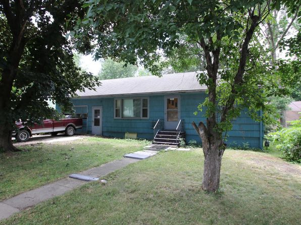 2 bed 1.25 bath Single Family at 443 Okoboji Grove Rd Arnolds Park, IA, 51331 is for sale at 94k - 1 of 3