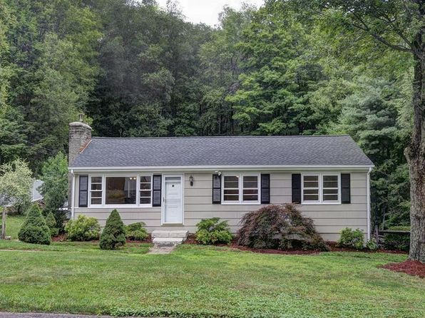4 bed 1 bath Single Family at 42 Appleblossom Ln Newtown, CT, 06470 is for sale at 285k - 1 of 22