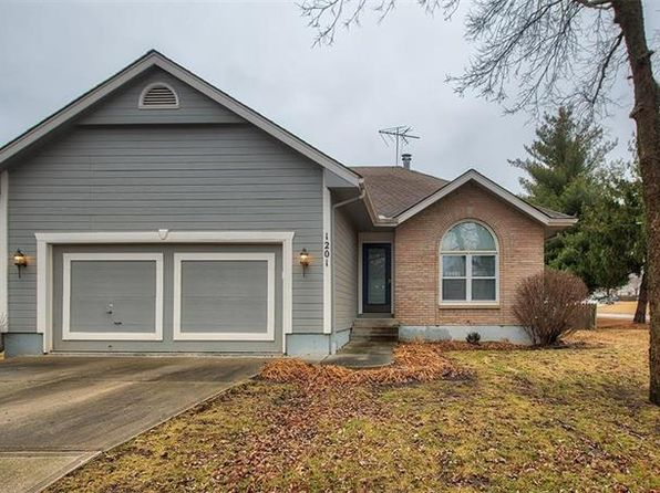 2 bed 2 bath Single Family at 1201 SW EASTMAN ST BLUE SPRINGS, MO, 64015 is for sale at 165k - 1 of 14