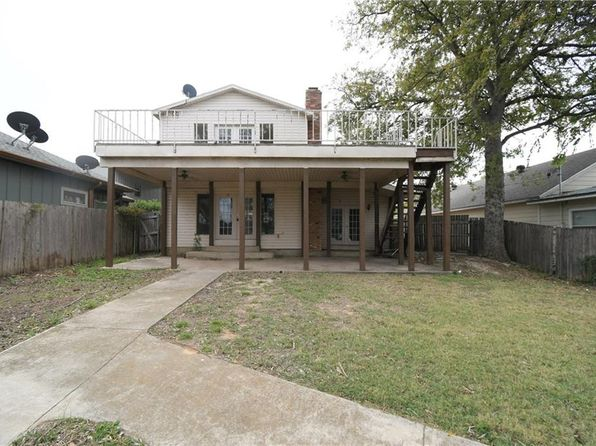 3 bed 2 bath Single Family at 6812 Briar Rd Azle, TX, 76020 is for sale at 174k - 1 of 17