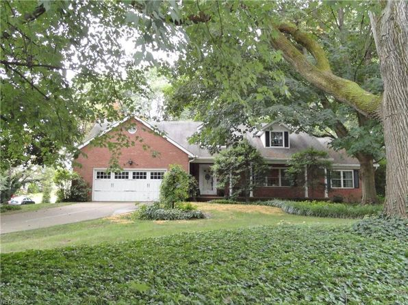 5 bed 4 bath Single Family at 9230 Shadybrook St NW Clinton, OH, 44216 is for sale at 279k - 1 of 29