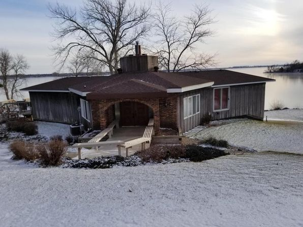 4 bed 2 bath Single Family at 976 Sunset Dr Watertown, SD, 57201 is for sale at 479k - 1 of 46