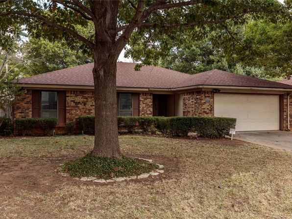3 bed 2 bath Single Family at 2107 Sexton Dr Arlington, TX, 76015 is for sale at 170k - 1 of 22