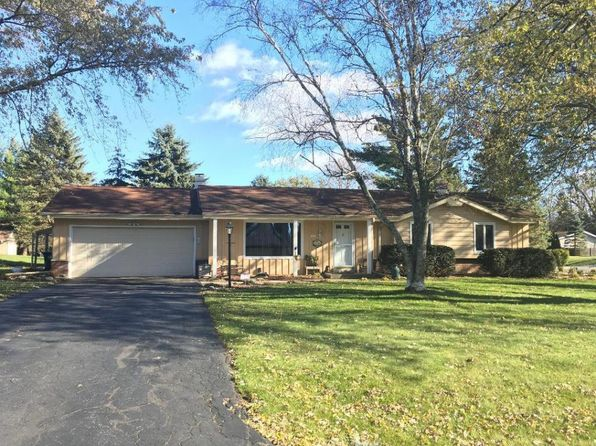 3 bed 2 bath Single Family at 1422 Oak Dr Hubertus, WI, 53033 is for sale at 230k - 1 of 17