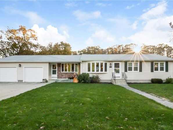 3 bed 2 bath Single Family at 20 Holiday Dr Lincoln, RI, 02865 is for sale at 360k - 1 of 40