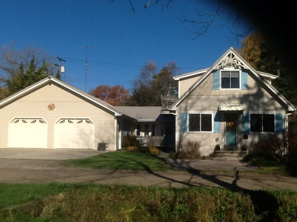 3 bed 2 bath Single Family at 7489 Aspen Rd Lexington, MI, 48450 is for sale at 156k - 1 of 26