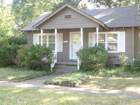 3 bed 2 bath Single Family at 1202 N Madison St Corinth, MS, 38834 is for sale at 60k - 1 of 13