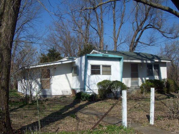 1 bed 2 bath Single Family at 622 S Ohio St Iola, KS, 66749 is for sale at 15k - 1 of 2
