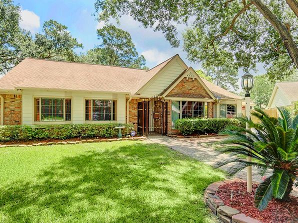 4 bed 3 bath Single Family at 4906 Golf Dr Houston, TX, 77018 is for sale at 450k - 1 of 21