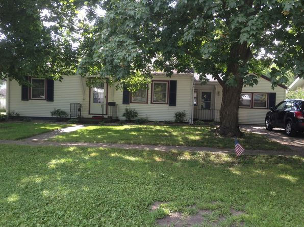 3 bed 1 bath Single Family at 206 S Oak St Lexington, IL, 61753 is for sale at 105k - 1 of 22