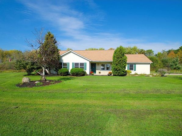3 bed 3 bath Single Family at 10650 Holi Dale Dr Chardon, OH, 44024 is for sale at 230k - 1 of 35