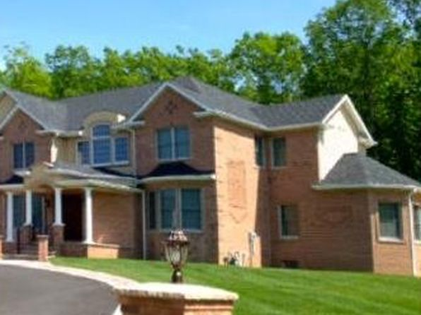 5 bed 5 bath Single Family at 1 Gloria Ln Monroe Twp, NJ, 08831 is for sale at 750k - 1 of 7