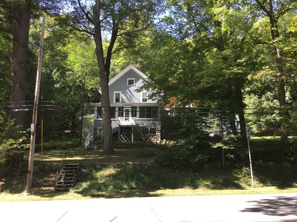 3 bed 2 bath Single Family at 8135 Lakeshore Dr Silver Bay, NY, 12874 is for sale at 600k - 1 of 14
