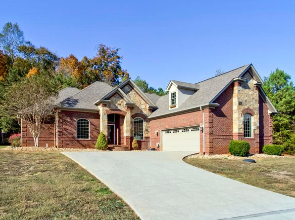 3 bed 3 bath Single Family at 100 DUDALA WAY LOUDON, TN, 37774 is for sale at 350k - 1 of 36