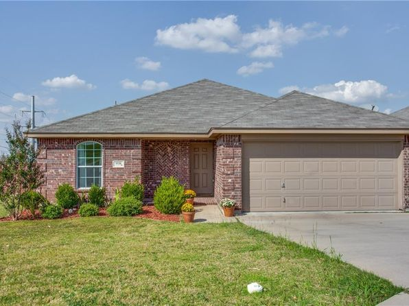 3 bed 2 bath Single Family at 9336 Nathan Ct White Settlement, TX, 76108 is for sale at 179k - 1 of 25