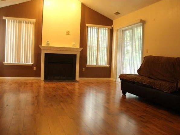 2 bed 2 bath Townhouse at 130 Wayne Ave Piscataway, NJ, 08854 is for sale at 245k - 1 of 14