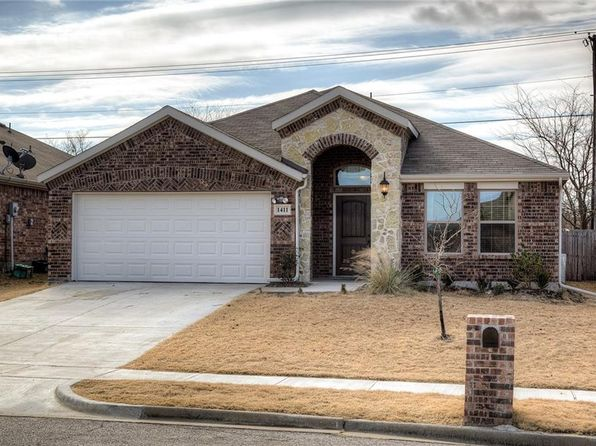 4 bed 2 bath Single Family at 1411 Thibodaux Dr Greenville, TX, 75402 is for sale at 230k - 1 of 28