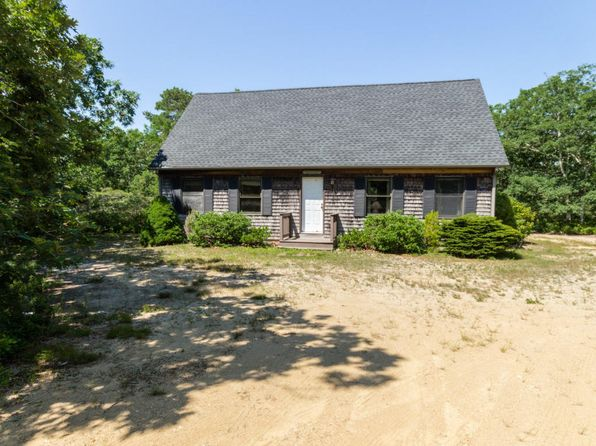 3 bed 2 bath Single Family at 205 Vineyard Meadow Fms Rd West Tisbury, MA, 02575 is for sale at 689k - 1 of 12