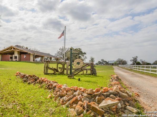 12 bed 7 bath Single Family at 115 FM 473 COMFORT, TX, 78013 is for sale at 898k - 1 of 25