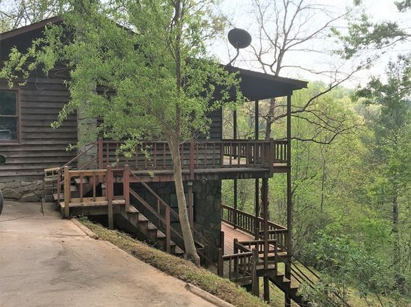 2 bed 3 bath Single Family at 90 Apple Tree Ln Franklin, NC, 28734 is for sale at 136k - 1 of 14