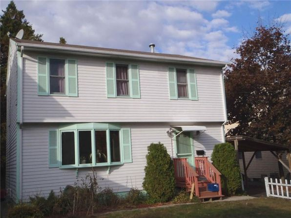 3 bed 3 bath Single Family at 17 Gordon St Cranston, RI, 02910 is for sale at 210k - google static map