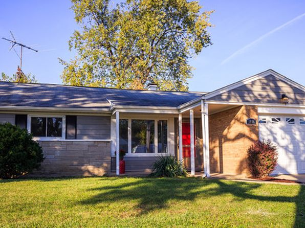 3 bed 1 bath Single Family at 1086 S 3rd Ave Des Plaines, IL, 60016 is for sale at 230k - 1 of 16
