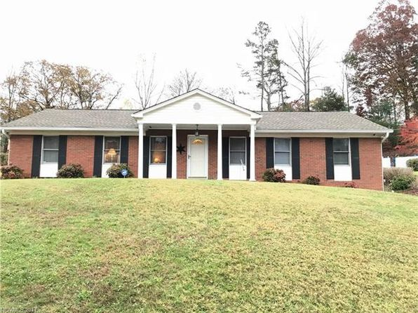 4 bed 2 bath Single Family at 27 Vista Dr Candler, NC, 28715 is for sale at 265k - 1 of 9
