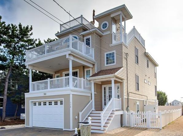 4 bed 4 bath Single Family at 114 E 16th Sts Ship Bottom, NJ, 08008 is for sale at 1.35m - 1 of 26