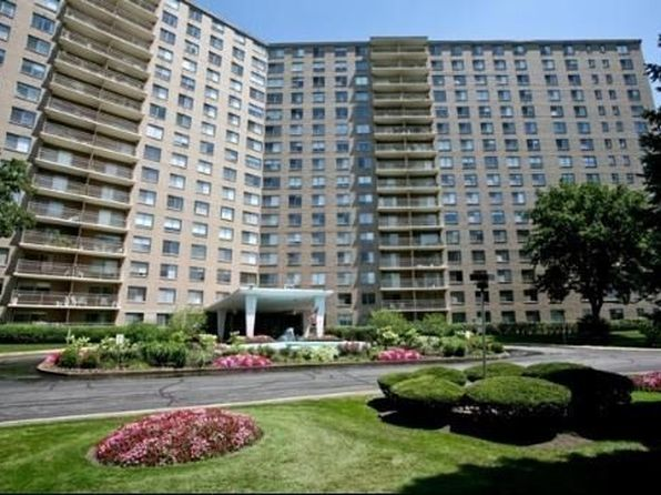 2 bed 2 bath Condo at 7033 N Kedzie Ave Chicago, IL, 60645 is for sale at 190k - 1 of 18