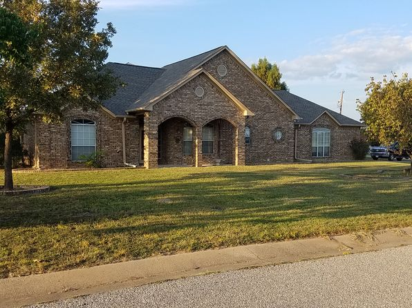 3 bed 3 bath Single Family at 22175 Barron Rd Chandler, TX, 75758 is for sale at 229k - 1 of 28