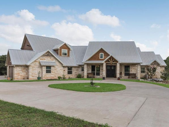5 bed 5 bath Single Family at 1460 Whispering Oaks China Spring, TX, 76633 is for sale at 833k - 1 of 32