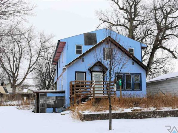 5 bed 3 bath Single Family at 220 N Wayland Ave Sioux Falls, SD, 57103 is for sale at 65k - 1 of 5