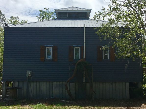 2 bed 1 bath Single Family at 6051 SW COUNTY ROAD 347 CEDAR KEY, FL, 32625 is for sale at 176k - 1 of 45