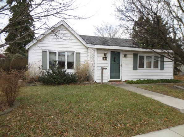 2 bed 2 bath Single Family at 516 Ledochowski St Lemont, IL, 60439 is for sale at 225k - 1 of 4