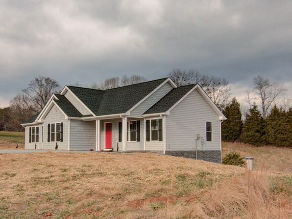 3 bed 2 bath Single Family at 137 Twelve Oaks Dr Hardy, VA, 24101 is for sale at 193k - 1 of 26